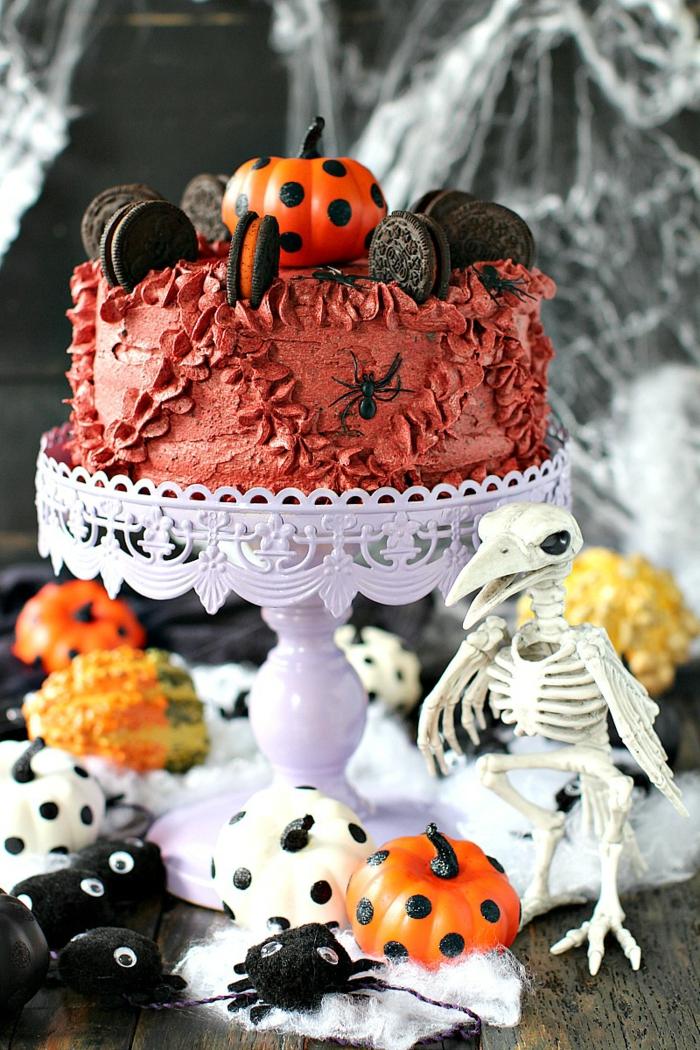 ein Halloween Oreo Torte mit dem speziellen Oreo Halloween Geschmack Kürbis, Oreo Keks Kuchen Rezept