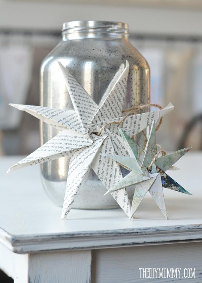 Weihnachtssterne falten aus Altpapier, silberner Weckglas, Papier aus altem Buch