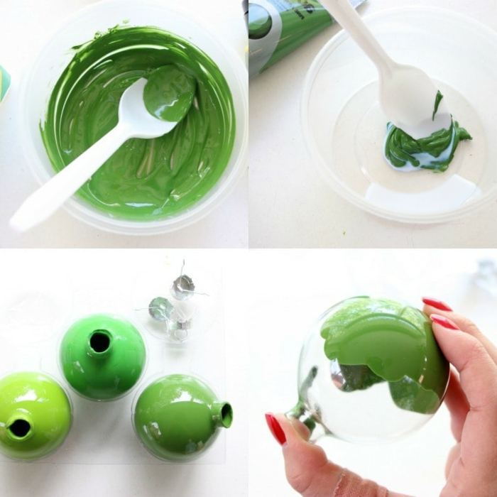 bereiten Sie die grüne Farbe vor, füllen Sie durchsichtige Weihnachtskugeln damit, Weihnachtskugeln selbst gestalten