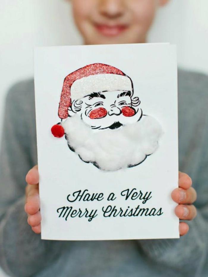 lustige Weihnachtskarten mit Weihnachtsmann, weiße Bart aus Baumwolle und rote Wange