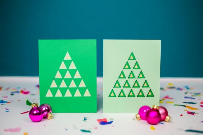 grüne Karten mit Tannenbäumen, kleine Dreiecken, lila Kugeln und Konfetti, Weihnachtskarten gestalten