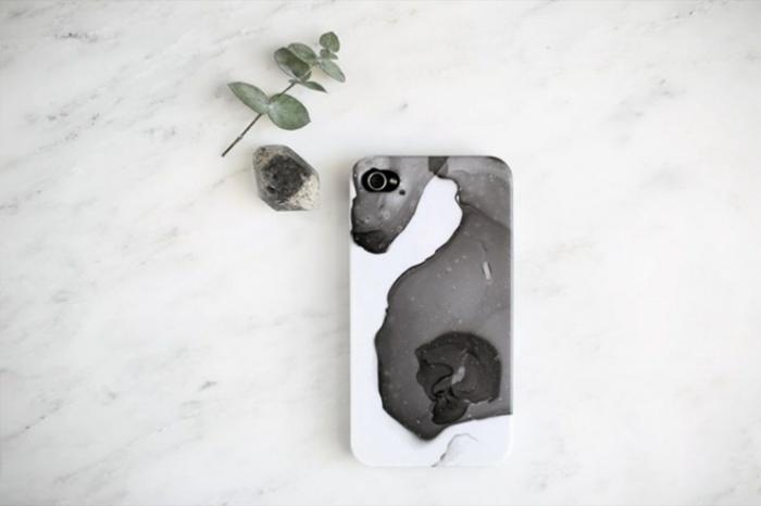 iphone 6s handyhülle marmor effekt in schwarz und weiß mit Nagellack, stein und pflanze, marmor Hintergrund