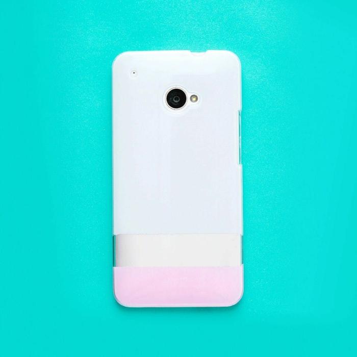 personalisierte Handyhülle, Handyhülle selber gestalten Samsung, in pink und weiß, grüner Hintergrund