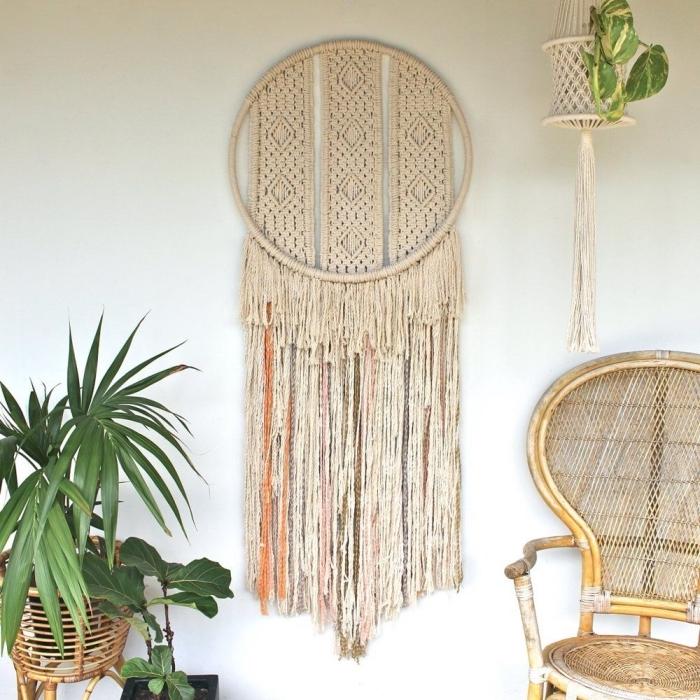 schöne makramee knoten designs selber gestalten runde basis und lange streifen deko