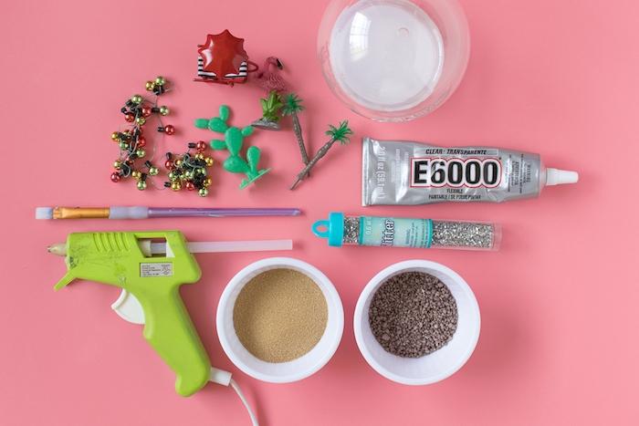 Materialien für DIY Schneekugel, Plastikfiguren Glas Kleber Glitter Pinsel Glas Heißklebepistole