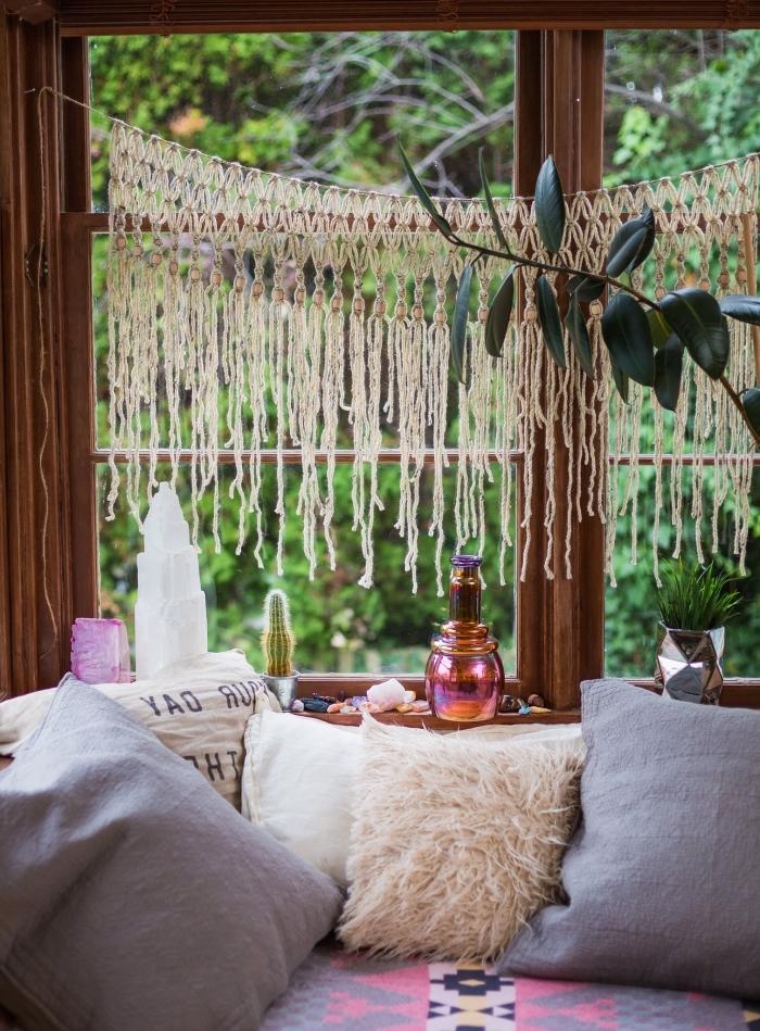 knoten anleitung und ideen schöne makrameedekoration ideen sofa mit vielen kissen
