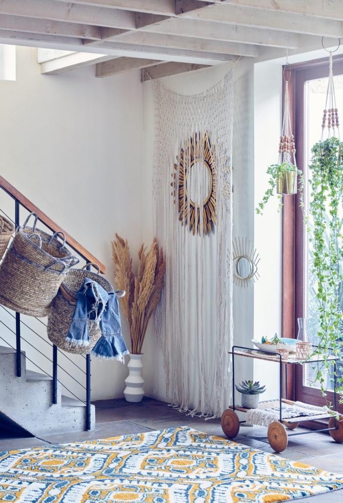 makramee wandbehang selbst machen und damit die wohnung verzieren, schöne deko, spiegel an der wand
