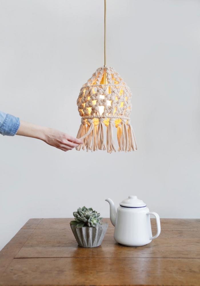 makramee armband oder deko, lampenöüster, selber stricken, natürliche deko ideen