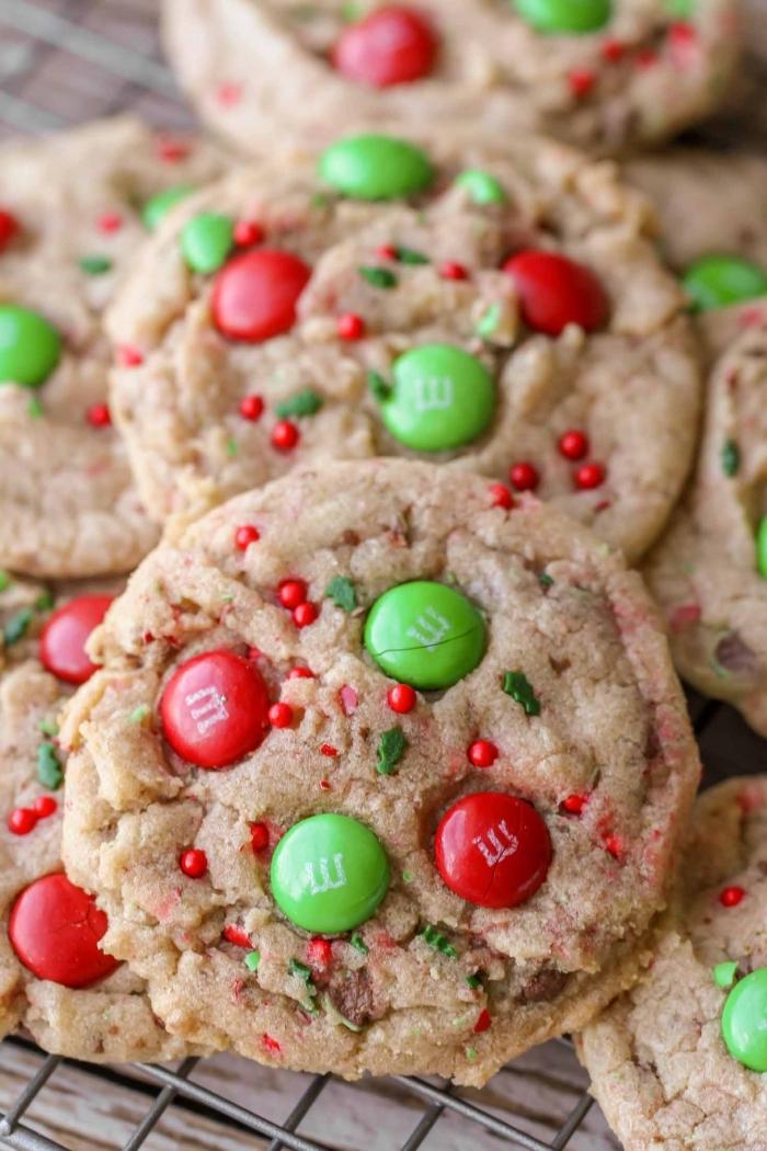 nachtisch zu weihnachten, keksen mit ingwer und m and m bonbons, weihanchtsrezepte