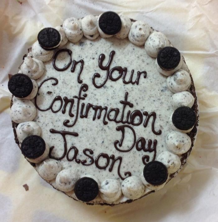 Herzlichen Glückwusch zu der Konfirmation mit Schokolade geschrieben, Oreo Backmischung,