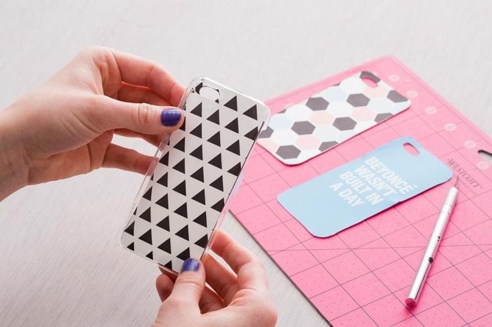 Handyhüllen selber gestalten, Ihre Muster ausdrucken und auf durchsichtige Handyhülle kleben