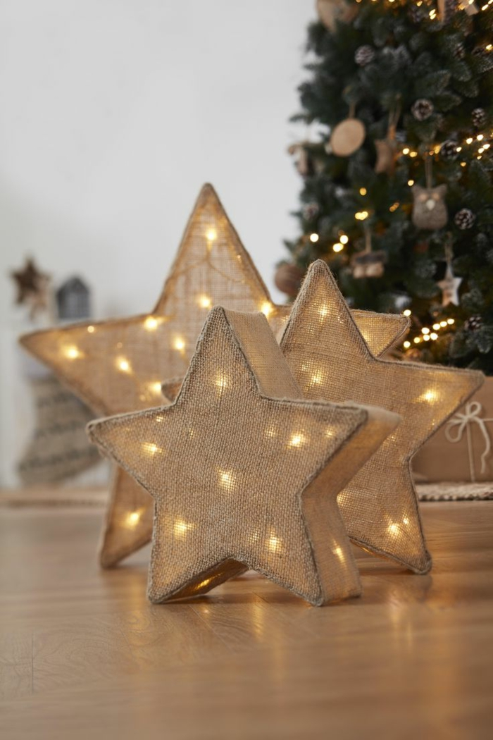 drei leuchtende Sterne mit Lichterkette darin, Sackleinen Sterne in Landhausstil