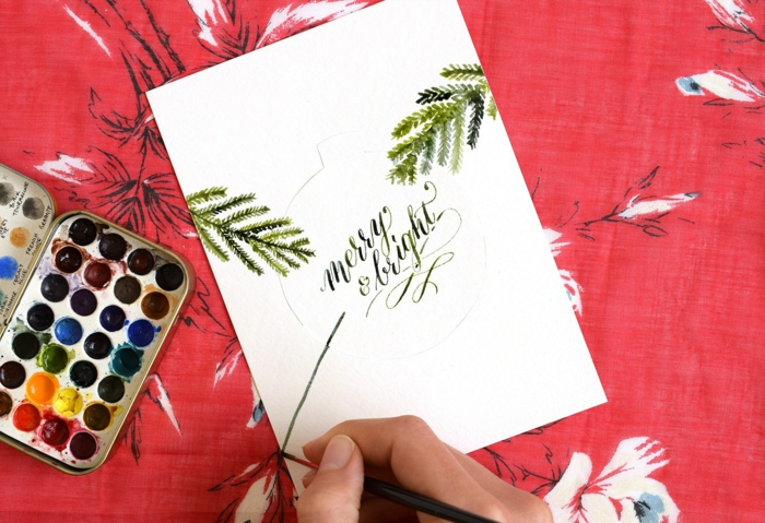 Weihnachtskarten selbst gestalten, zeichnen Sie kleine Tannenbaumzweige als Dekoration