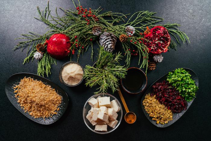 Frischkäse Kugeln selber machen, schnelle Vorspeise für Weihnachten, Frischkäse und Parmesan, Zimt und Honig, Preiselbeeren und Walnüsse