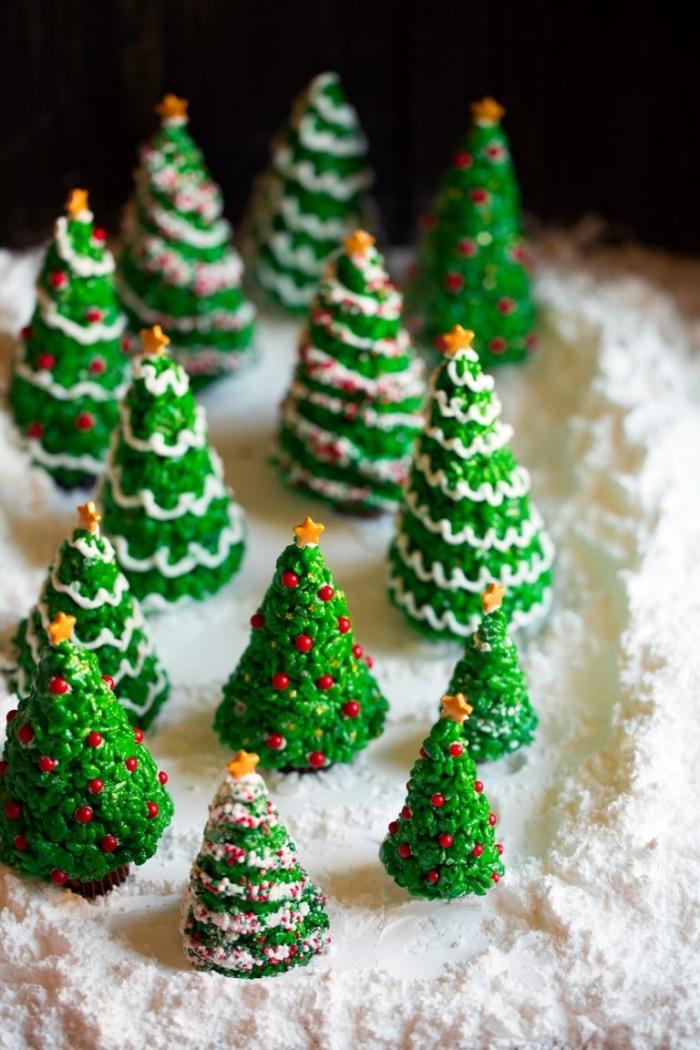 schnelles weihnachtliches dessert, kleine tannenbäume, weihnachtsdessert einfach