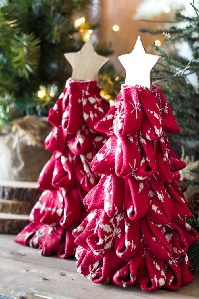 weihnachtsdeko selber machen, tannenbäune aus kegeln und rotem stoff, sterne aus pappe