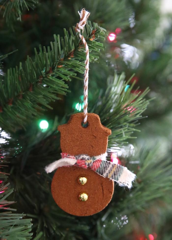 tannenbaum schmücken, christbaumschmuck aus kekse, weihnachtsdeko selber machen, diy