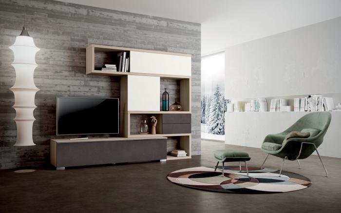 wohnzimmer einrichten ideen, große weiße stehlampe, wohnwand in braun und creme, grüner sessel