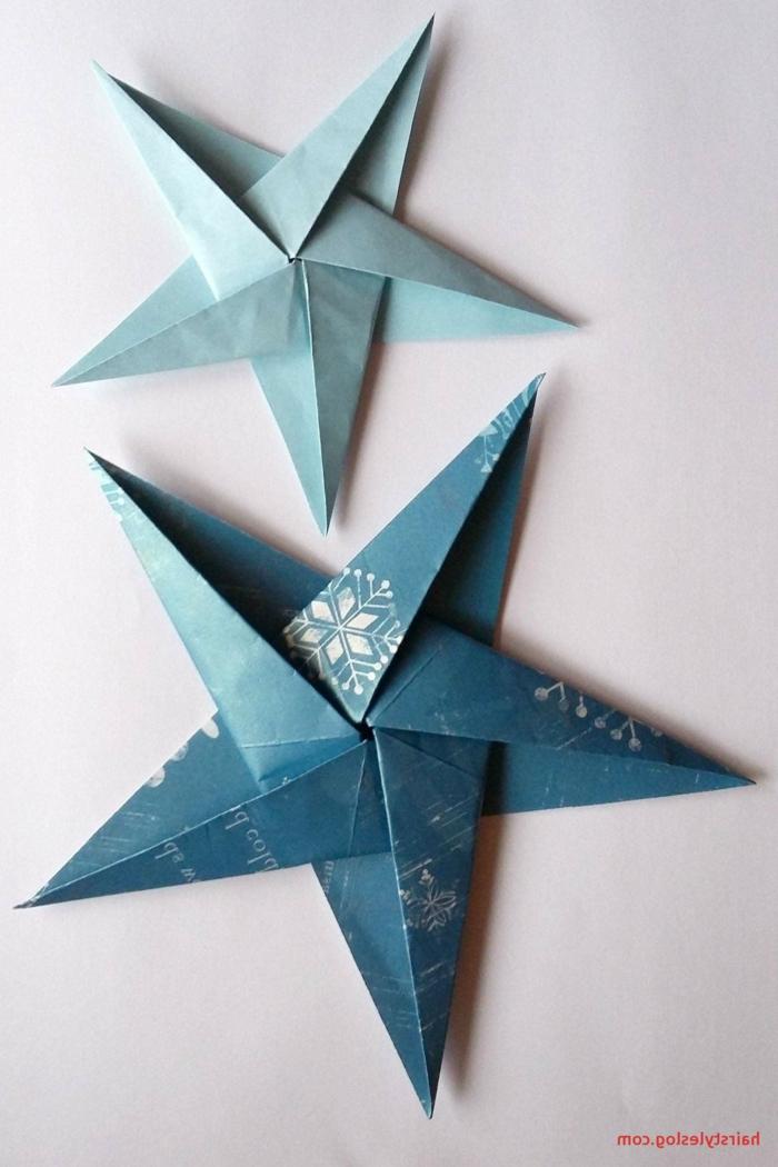 blaue Sterne, Papiersterne falten, ein Stern mit Muster von kleinen Schneeflocken