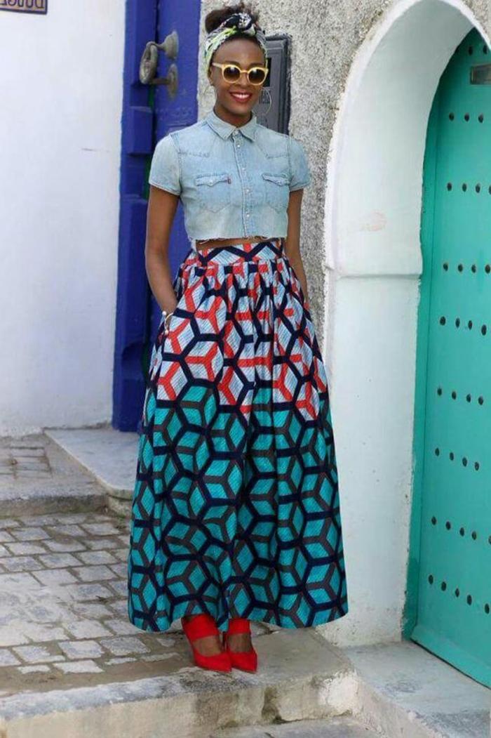 afrikanische kleidung ideen wie man die tradition in der modernen garderobe einbaut, langer rock mit kurzem jenaskleid kombination