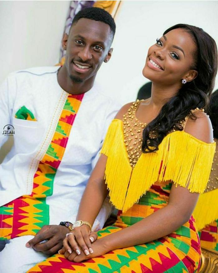 afrikanische kleider ideen für frauen und traditionelle anzüge für männer, weißes outfit mit bunter deko