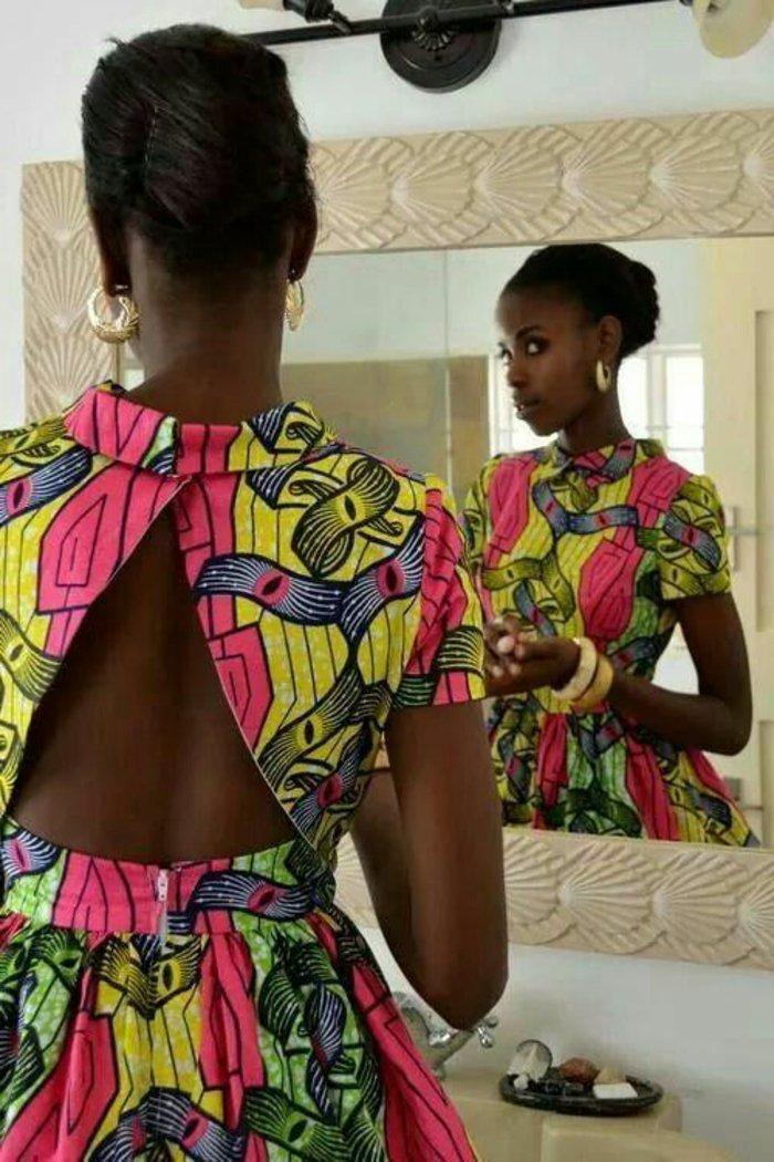 orientalische stoffe und afrikanische alle tragen die motive der erde und der natur, bunte schönheit, kleid mit offenem rücken