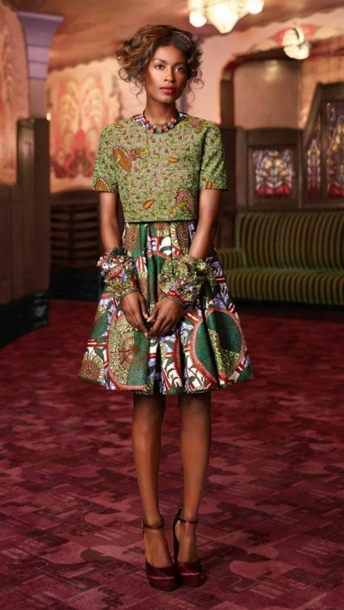 grün als hauptfarbe bei diesem outfit, elegante und trendy gestaltung von traditionelle afrikanische kleidung