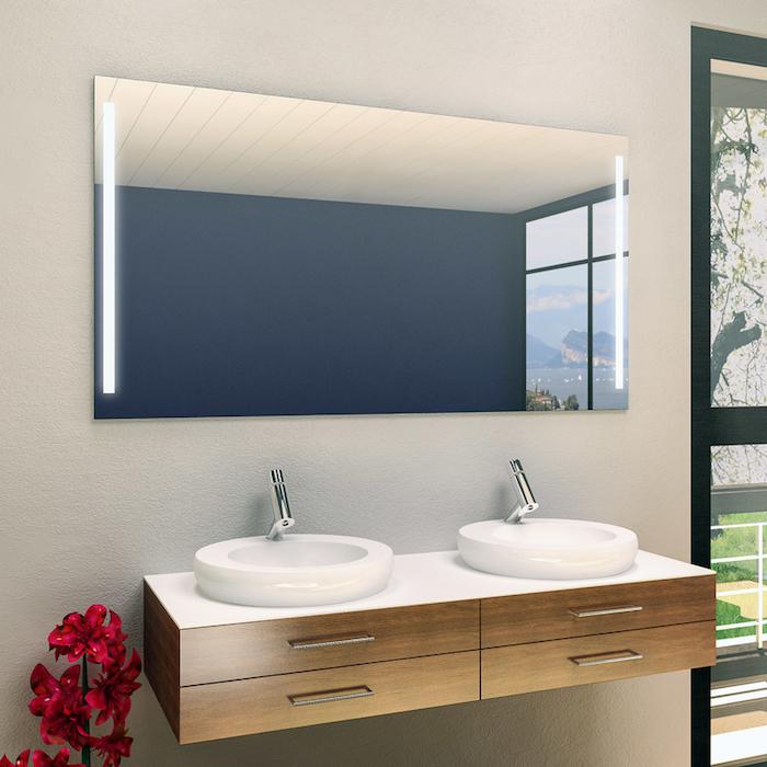 Badspiegel mit seitlicher Beleuchtung, optimale Beleuchtung für Ihr Badezimmer