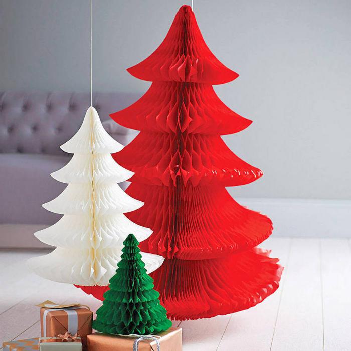 bastelanleitung tannenbaum aus papier falten, kleine geschenke, diy deko zu weihanchten