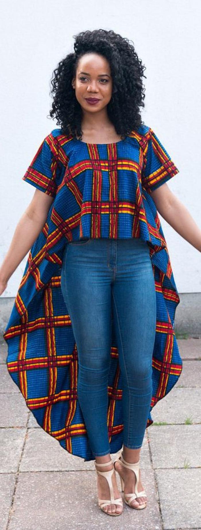 poslterstoffe kaufen und sie in den alltag tragen, jeans mit top im afrikanischen stil kombinieren