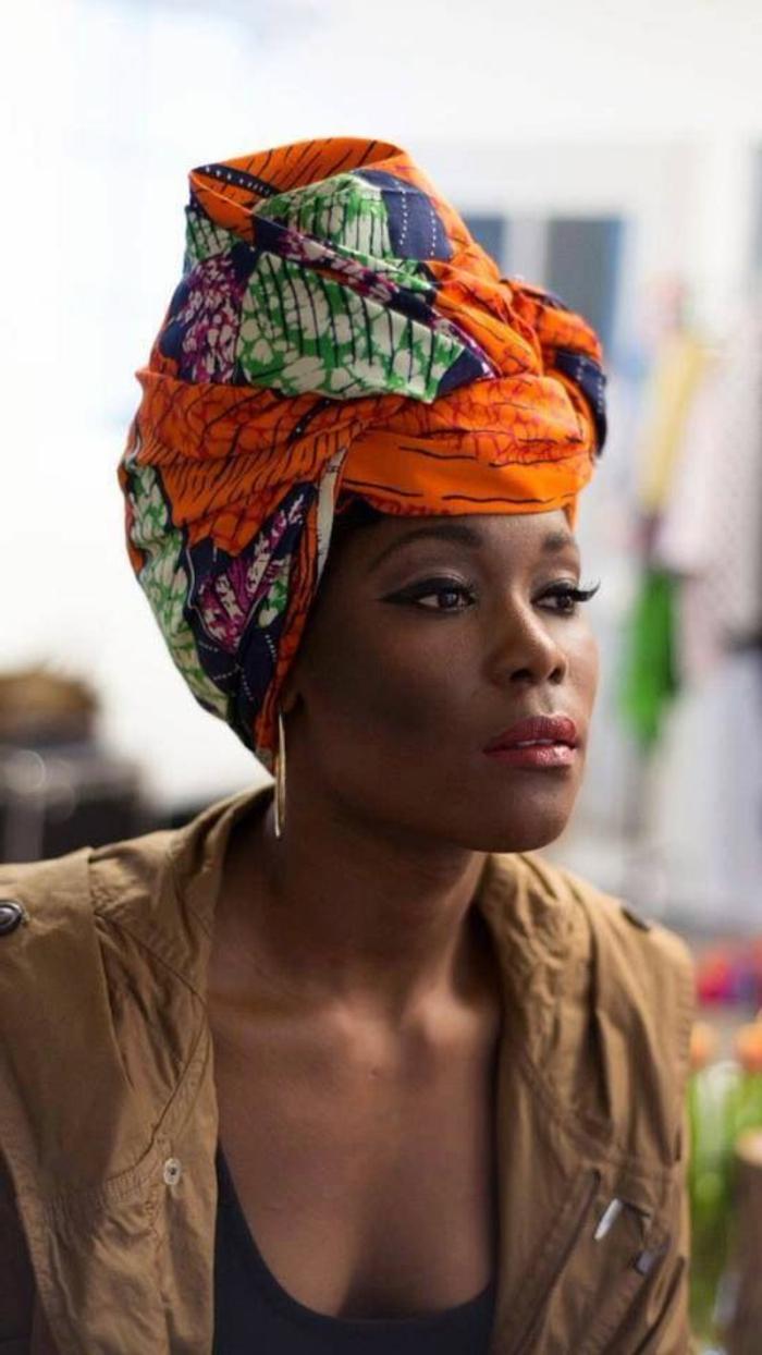 poslterstoffe kaufen, turban auf dem kopf tragen, orange tucch kopftuch, lidschatten, lidstrich, ideen