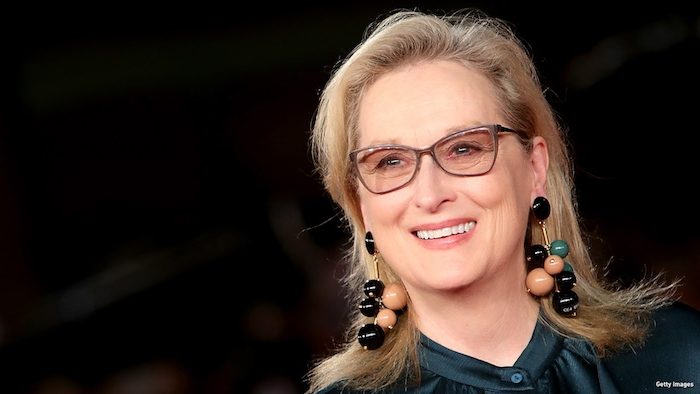 Meryl Streep Hairstyle, Frisuren für ältere Damen, mittellange blonde Haare, Frisuren für Frauen mit Brille