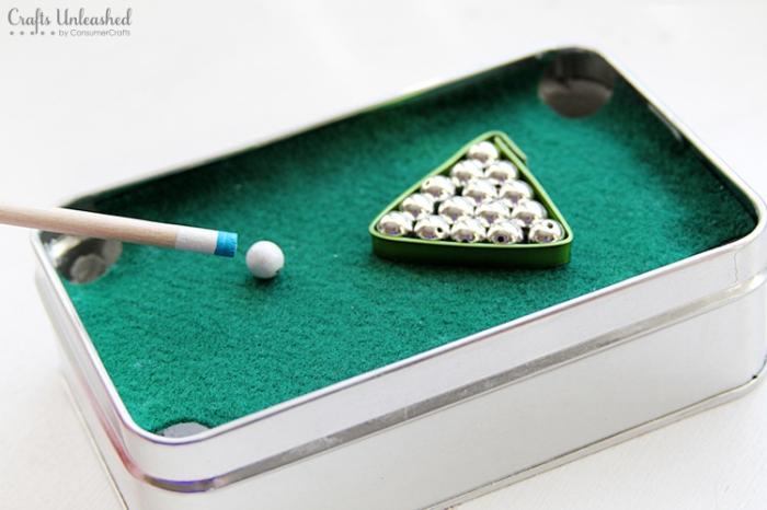 mini billard basteln, geschenk für besten freund, selsbtgemachtes spiel, kleine silberne perlen