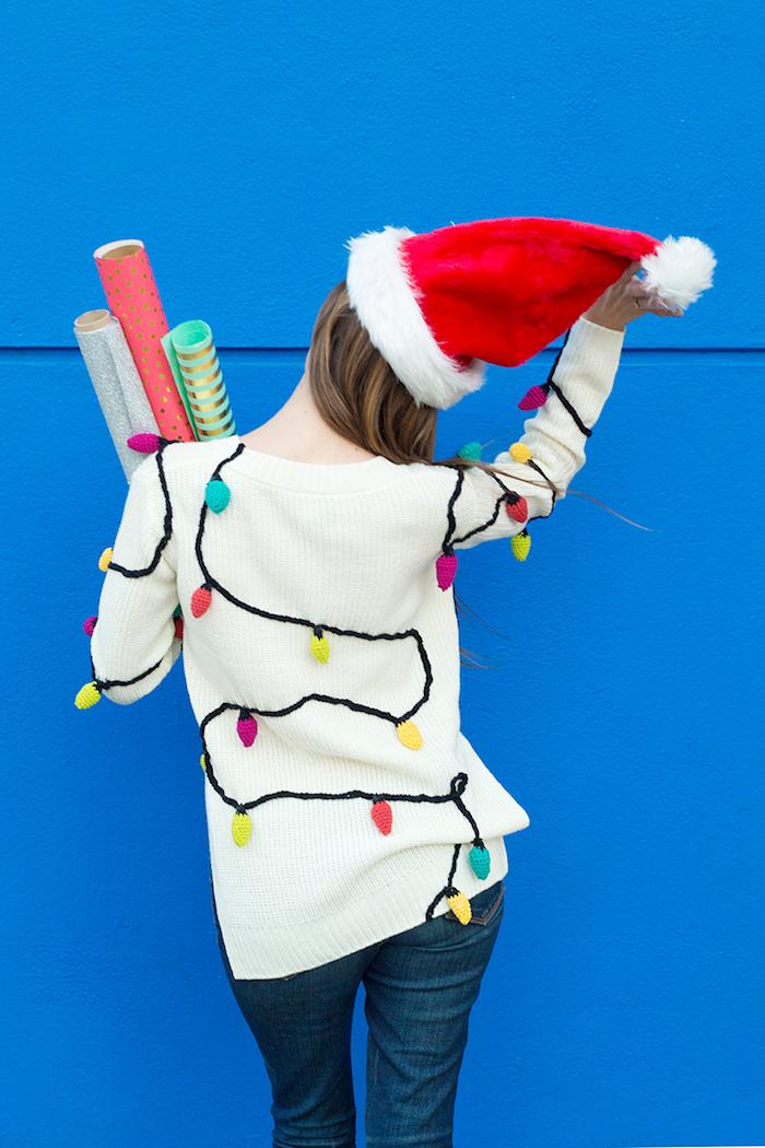 Weißen Weihnachtspullover mit Lichterkette selber stricken, ausgefallene DIY Weihnachtsgeschenke