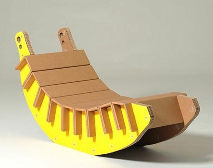 box pappe, banana sessel, wiegestuhl, liegestuhl, gelb und beiges design, ideen