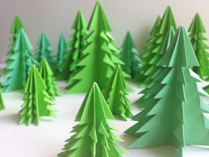 origami weihnachtsbaum aus grünem papier, deko zu weihnachten, diy bastelnaleitung