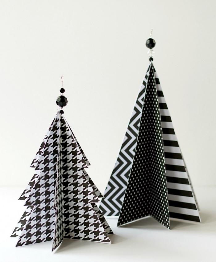origami weihnachtsbaum selber machen, christbaumschmuck diy, bastelkarton mit geometrischen mustern