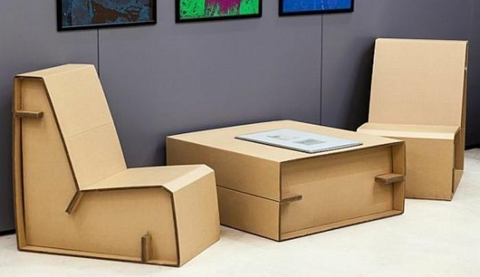 stage design, tisch mit zwei sessel, sitzoberfläche, sofas aus karton selbst gemacht