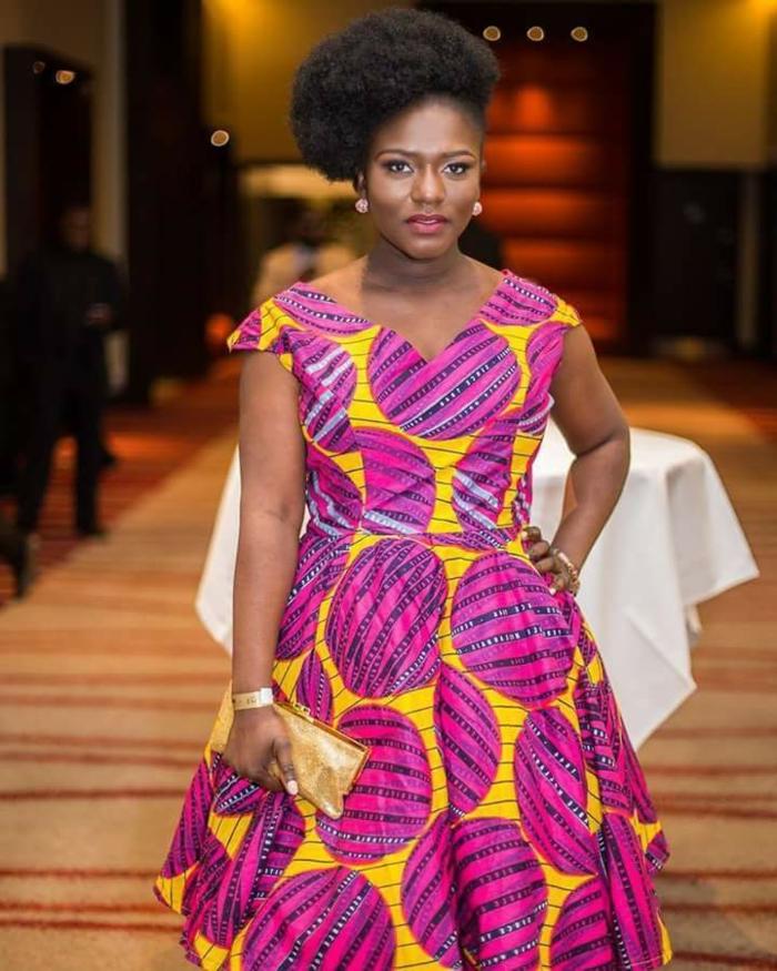 frauen outfits ideen zu offiziellen anlässen, rosa und gelb trendy kleid für molige