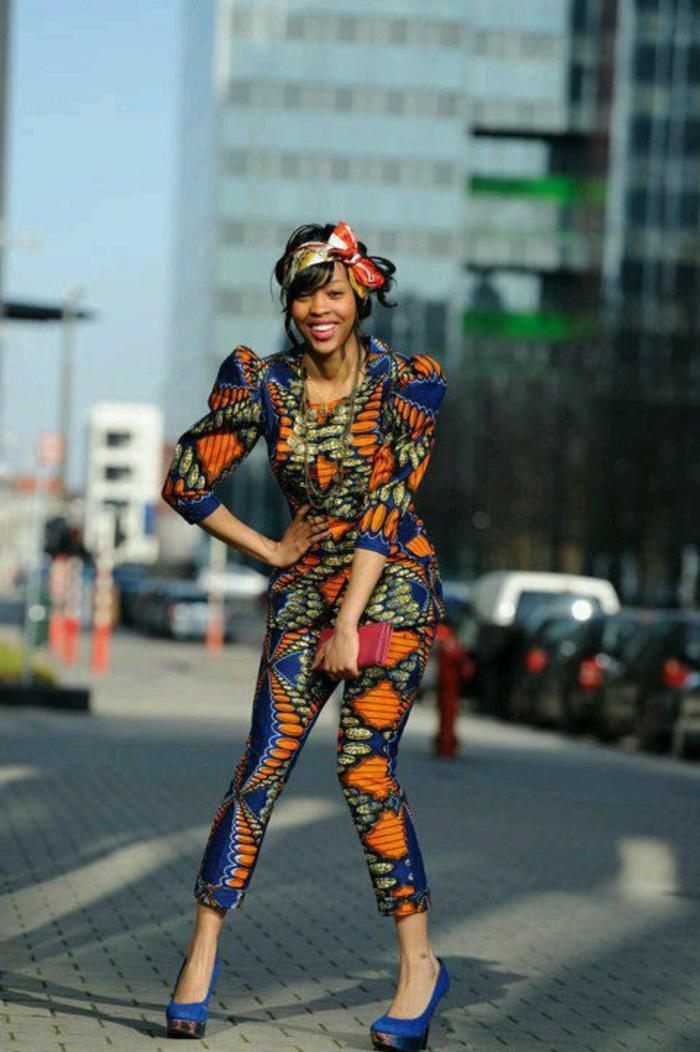 dekostoffe meterware, buntes outfit aus unter und oberteil, kopfschleife tragen, deko, große ärmeln afro style