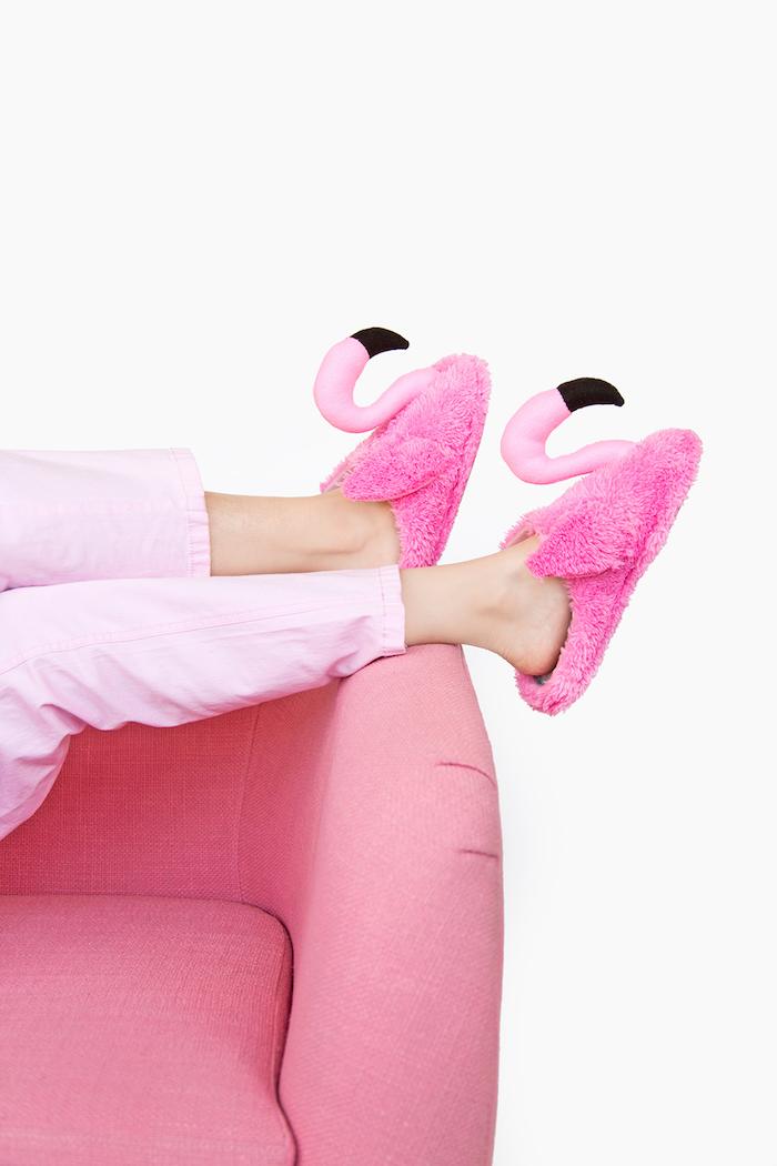 Flamingo Pantoffeln selber nähen, schönes DIY Geschenk zu Weihnachten für Freundin
