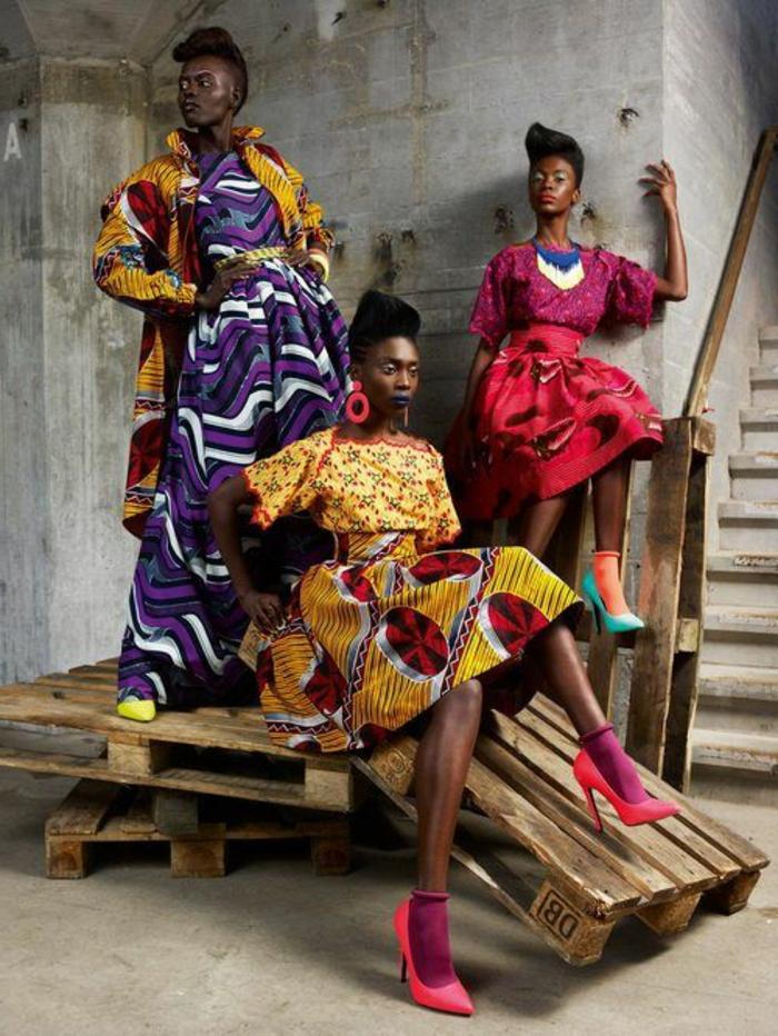 holländische stoffe online, bunte kleidung inspiritert von den afrikanischen ländern, rosa socken mit roten schuhen, farbkombinationen kreativ, ausgefallene kleidung