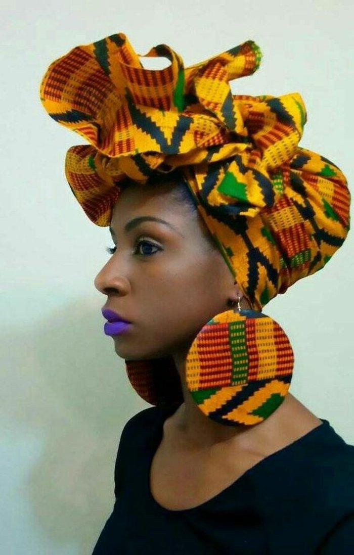 afrikanische stoffe für turban und kopfdeko, kopftuck in dem selben print wie die große ovale ohrringe