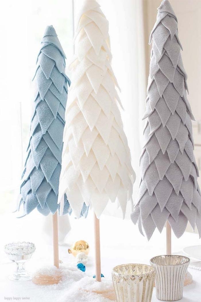 tannenbaum falten aus halbkreis, drei selbstgemachte weihnachtsbäume aus papier und stoff
