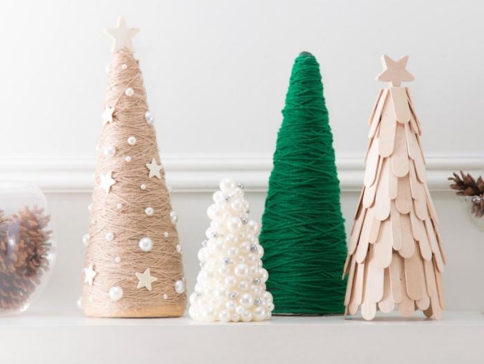 weiße perlen, grünes garn, tannenbaum falten aus halbkreis, weihnachtliche deko