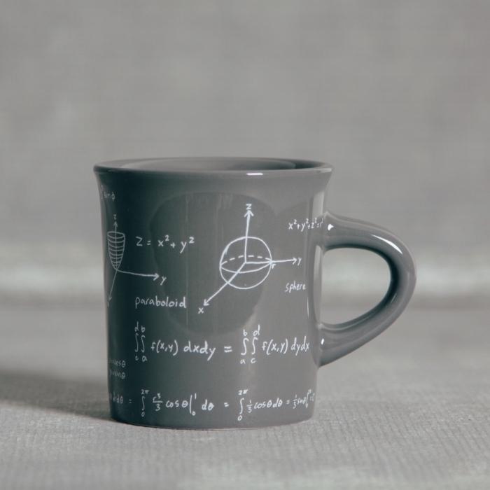 geschenke selber machen, tasse zum bemalen, mathematische gleichungen, handgemacht