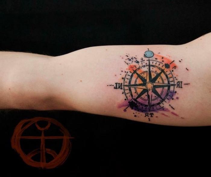 wasserfarben tätpwierung, roter zeichen, schwarzer hintergrund, tattoo vorlagen arm