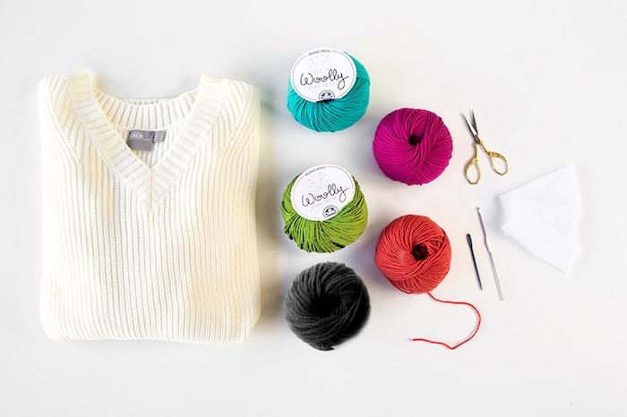 DIY Weihnachtspullover, Weihnachtsmotive selber häkeln, DIY Ideen für praktische und ausgefallene Weihnachtsgeschenke
