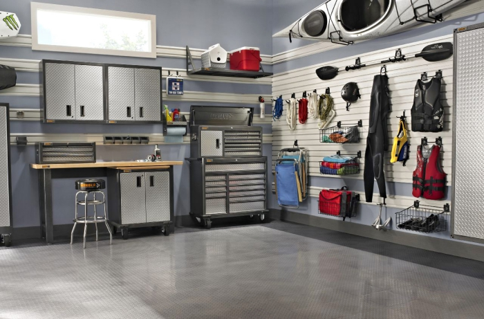 auro garage einrichten tipps, autogarage planen, graue schränke, raum nutzen, einrichtungstipps