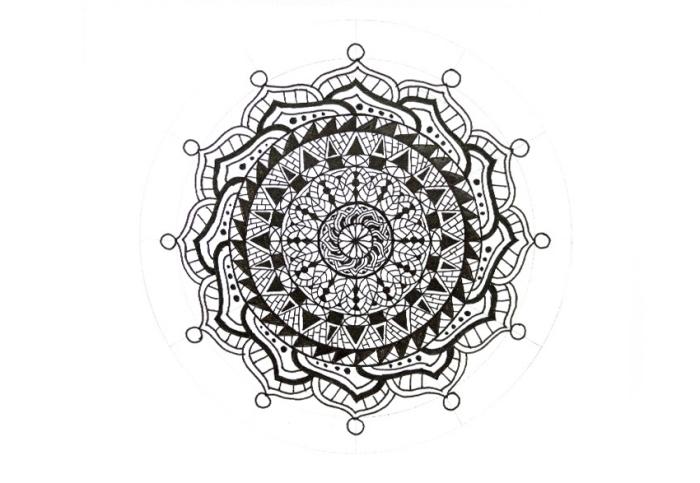 bilder zeichnen, mandala machen, geometrische elemente, kreise, quadrate und dreiecke